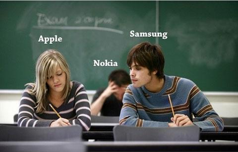 삼성-애플 특허소송을 풍자한 인터넷 그림. 이번 소송으로 애플도 이미지에 손상을 입었지만, 삼성은 국제적으로 공인된 '카피캣'이 돼 버렸다. (출처 미상)
