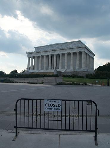 문 닫힌 '링컨 기념관'  2013년 10월 5일  (reivax CC BY SA)
