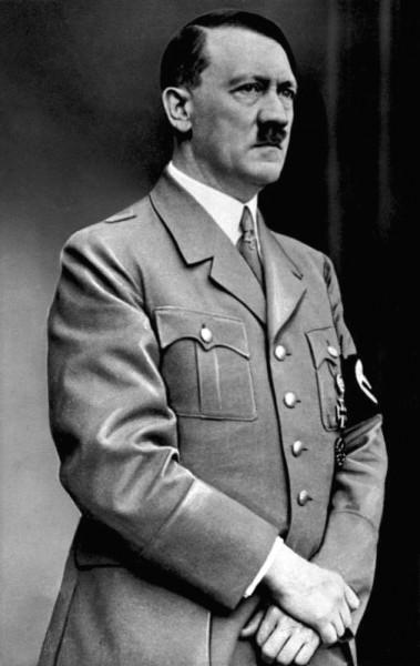 아돌프 히틀러 (1937년 모습) (출처: 위키커먼스)