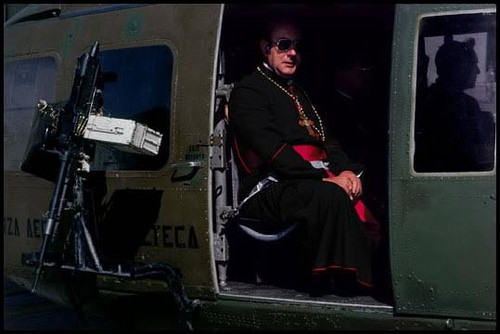 Clergy traveled in military helicopters to the mass of  Pope John Paul II in the war zone ⓒJames Nachtwey