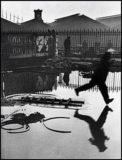 앙리 카르티에 브레송, 프랑스 파리, 생 라자르 역 후문, 1932년