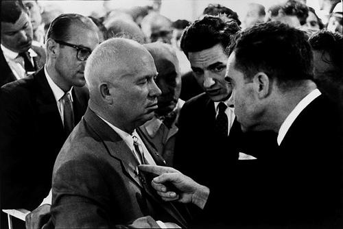 Elliott Erwitt, Khrushchev and Nixon, Moscow, 1959