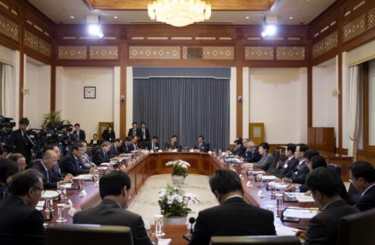사진 출처: 청와대,  '긴급민생대책회의 중 대통령 말씀' 중에서 http://www1.president.go.kr/news/briefingList.php?srh[view_mode]=detail&srh[seq]=5756