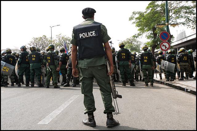 그리고 캄보디아 의류산업의 '큰손' 한국기업은 시위대 집압에 군경을 투입해달라는 요청의 장본인이라는 강한 의혹에 휩싸였다. 오래 전 일이 아니라 올해(2014년) 1월에 있었던 일이다. 이 유혈사태로 최소한 5명 이상의 캄보디아 노동자가 죽었다. (사진: Luc Forsyth, CC BY NC)