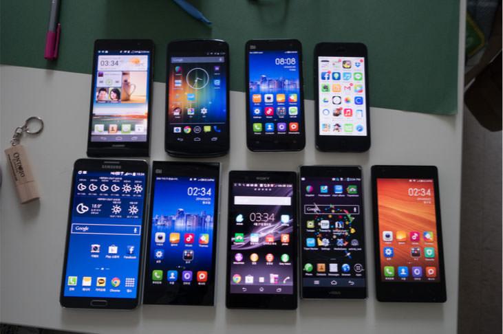 다양한 중국산 스마트폰들