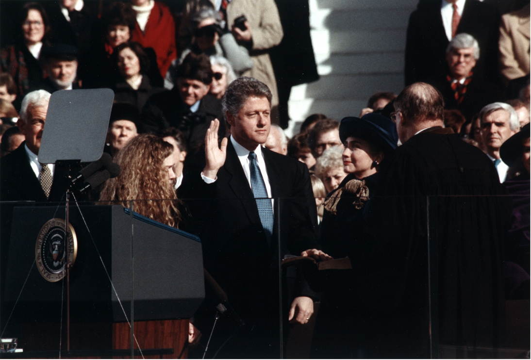 Bill_Clinton_taking_the_oath_of_office,_1993