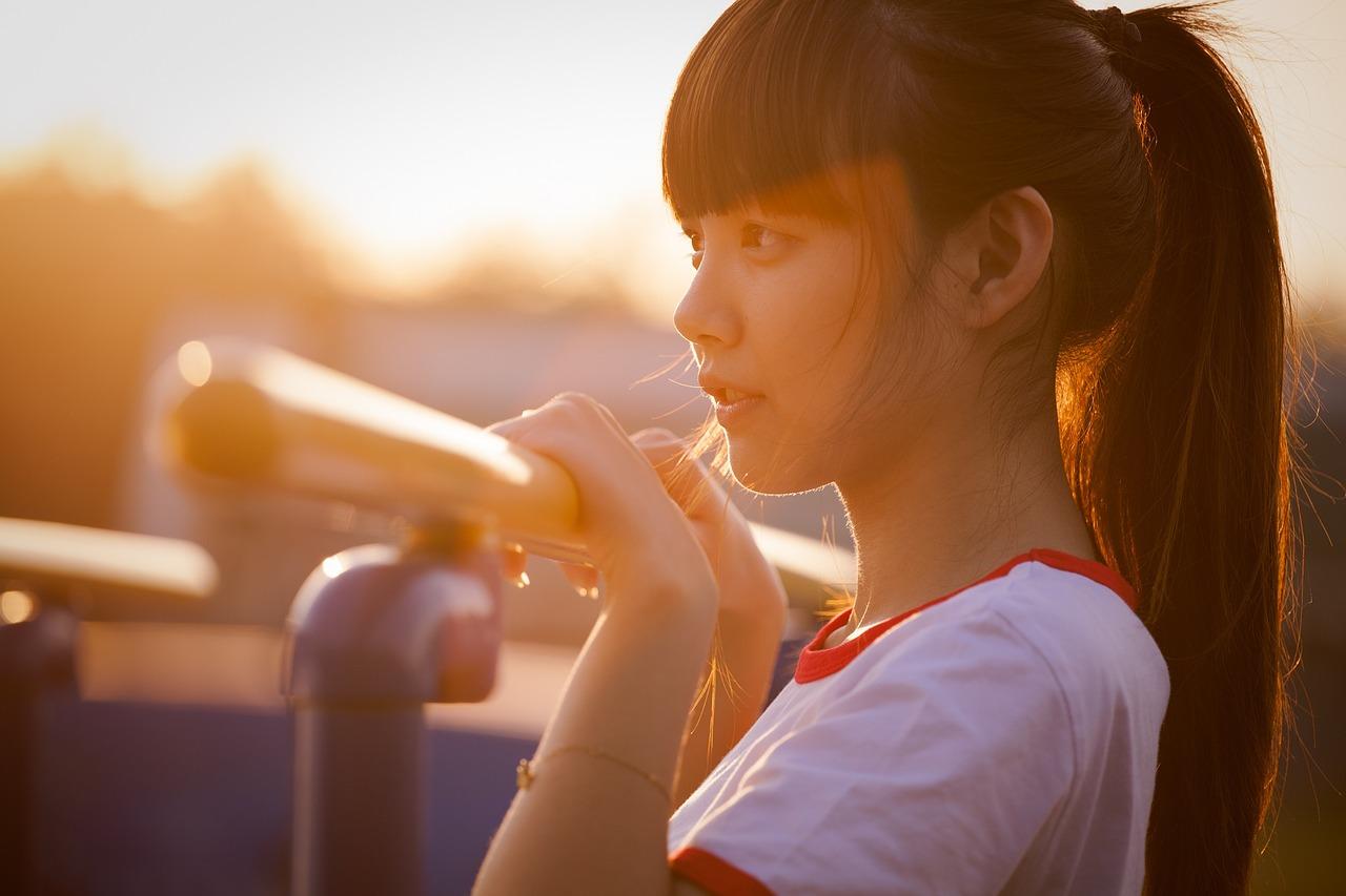 청춘 젊음 젊은이 소녀 석양 꿈 소망 희망