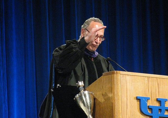 뉴욕주립대(버팔로)에 연사로 초대된 척 슈머(2009년, Dave Pape, CC BY) https://flic.kr/p/6nwPHx