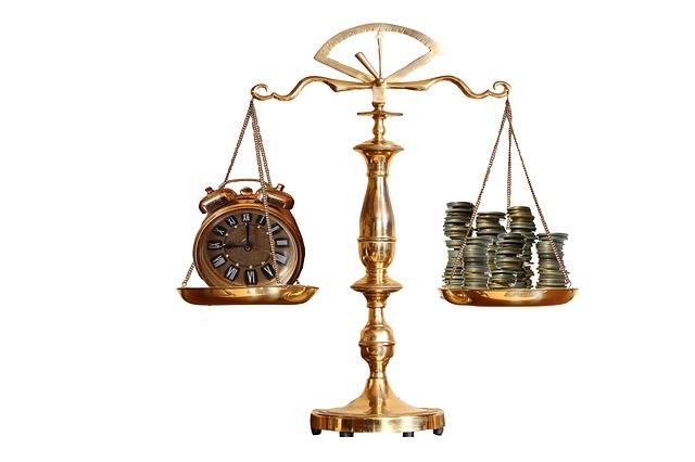 하나의 연속적 뇌물 제공 행위라도 개인이 받으면 뇌물이고, 재단 통해 받으면 아니다? 상식에서 완전히 벗어나는 법리를 기계적인 이분법으로 적용한 최순실 1심 재판부.