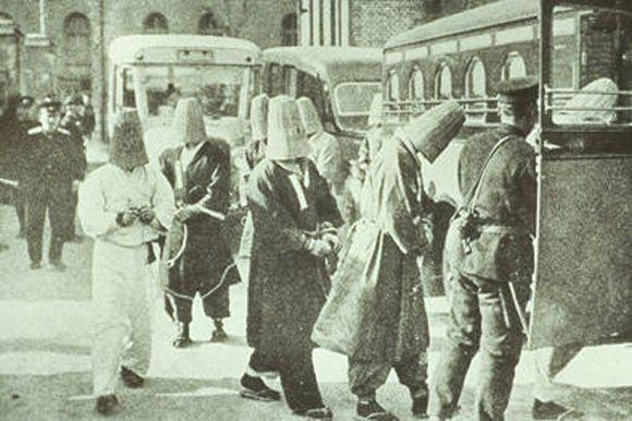 105인 사건 관련자들 체포 장면
