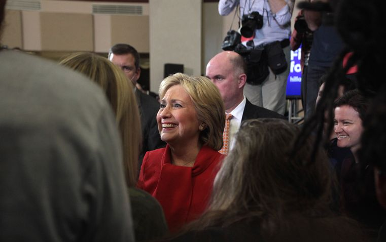 Gage Skidmore, Hillary Clinton with supporters, CC BY SA https://flic.kr/p/D5GXhU