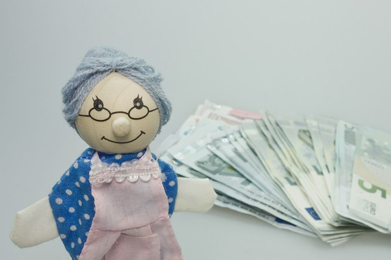 돈을 너무 사랑(?)하신 할머니...