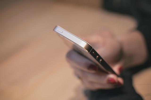 전화 스마트폰 아이폰 여자 여성 통화