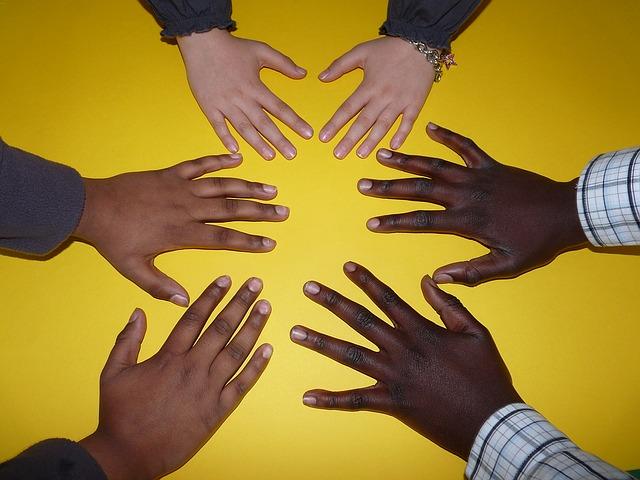 화합 공동체 사람 손 단결 협력