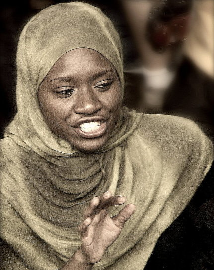 히잡(머리, 귀, 목, 어깨를 가림. 지역: 시리아 등)
