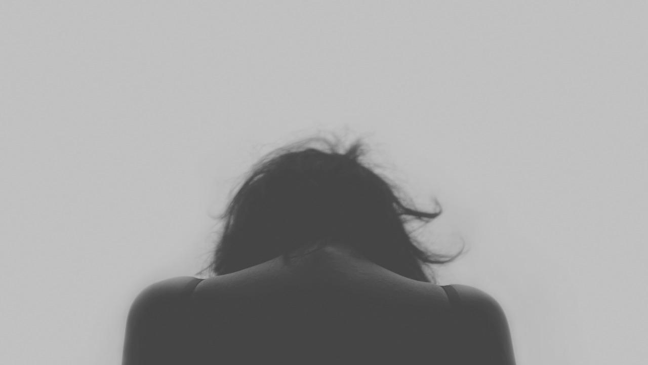 슬픔 우울 고통 통증 고독 여자 사람