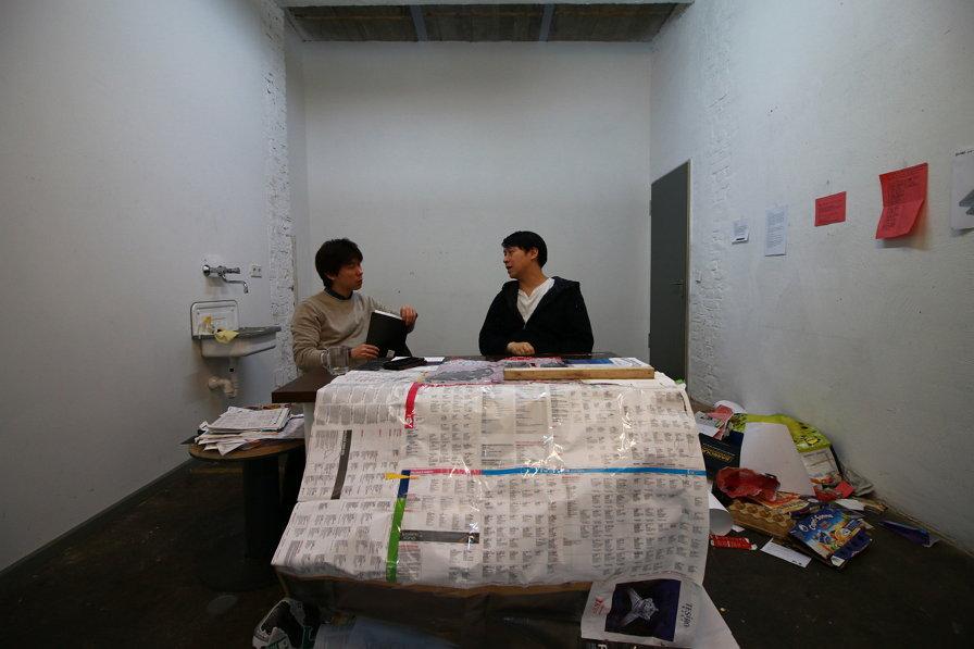 인터뷰 중인 서해근 작가의 모습 (copyright ⓒ 2016 by SOYOUNG LISA YI)