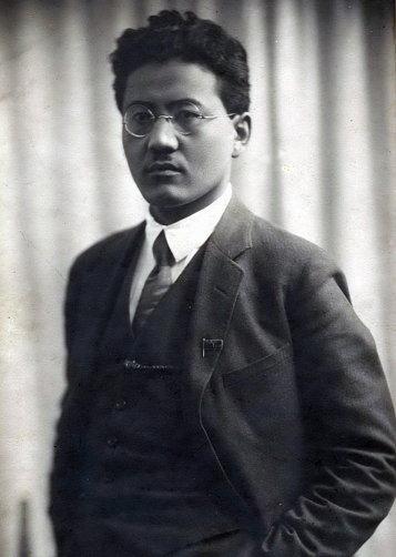 카자흐의 투라르 르스쿨로프(Turar Ryskulov)