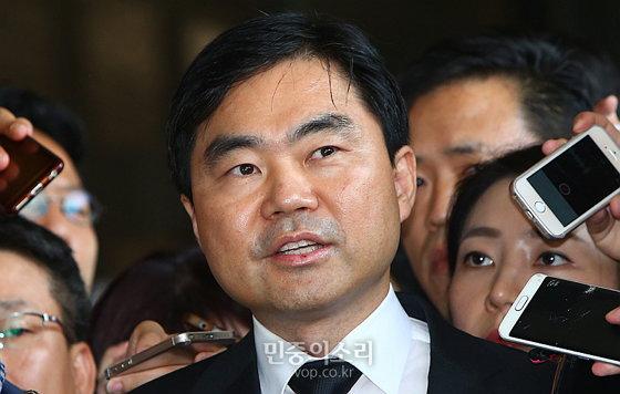 넥슨의 비상장 주식을 뇌물로 받았다는 혐의로 재판 중인 진경준 검사장 (사진 제공: 민중의소리) http://www.vop.co.kr/A00001046497.html