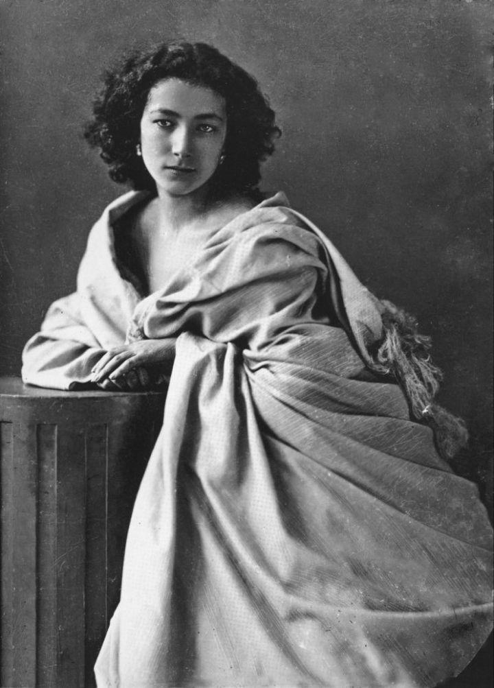 사라 베르나르(1862-1922), 1865년