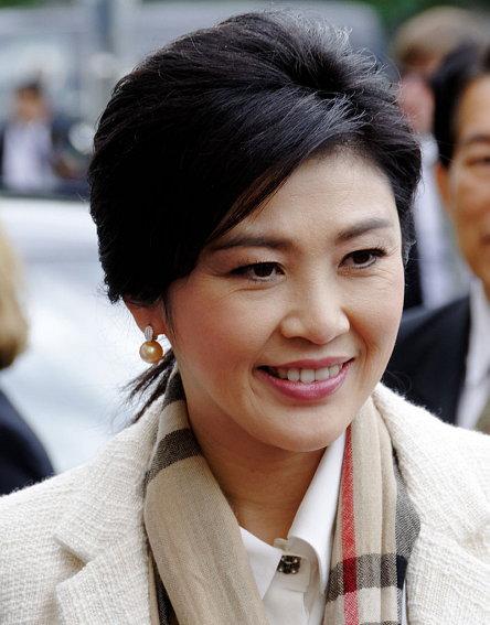 잉락 친나왓(Yingluck Shinawatra, 1967년 6월 21일~ )는 타임지에 박근혜 인물평을 쓴 뒤 1년 뒤 실각한다. (출처: Rob Irgendwer, CC BY SA 3.0) https://ko.wikipedia.org/wiki/%EC%9E%89%EB%9D%BD_%EC%B9%9C%EB%82%98%EC%99%93#/media/File:9153ri-Yingluck_Shinawatra.jpg