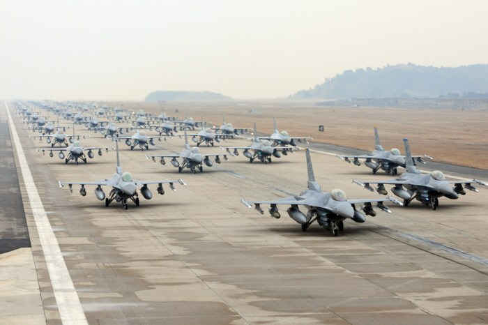 KF-16 전투기, 제작업체 한국항공우주산업 (재인용 출처: MKPOST) http://post.mk.co.kr/archives/19964
