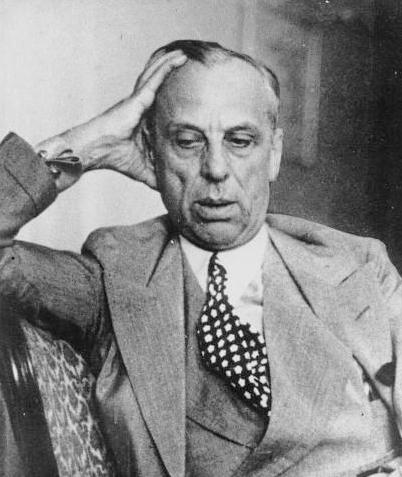 알프레드 슬론(Alfred_Pritchard_Sloan, May 23, 1875년 5월 23일 ~ 1966년 2월 17일, 사진은 1937년 당시 모습) https://en.wikipedia.org/wiki/Alfred_P._Sloan