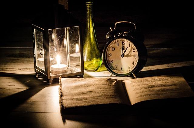 공부 책상 시계 시간 추억 학생