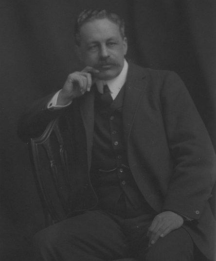 지정학의 창시자 핼퍼드 매킨더(Halford Mackinder, 1861년 ~ 1947년)