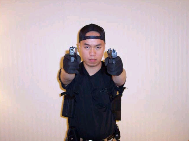 2007년 4월 16일 발생한 미국 버지니아 폴리테크닉 주립 대학교에서 일어난 버지니아 공대 총기 난사 사건의 범인 조승희(1984~2007)