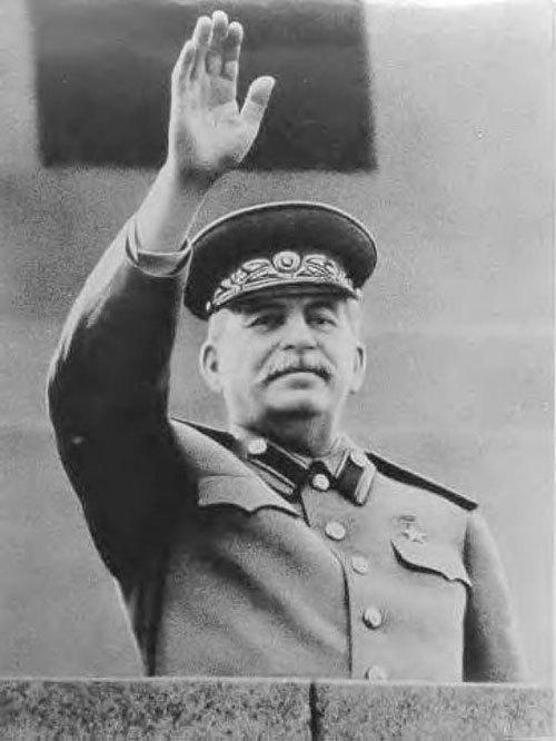한국전쟁이라는 '역사의 체스판'에서 유일하게 자신이 원하는대로 말을 움직인 스탈린. 하지만 소련은 붕괴했고, 대다수 사람에게 스탈린은 독재자로 남았다.