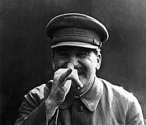 스탈린(1879-1953)은 코카서스 3국 중 하나인 조지아의 시골마을에서 태어났다.