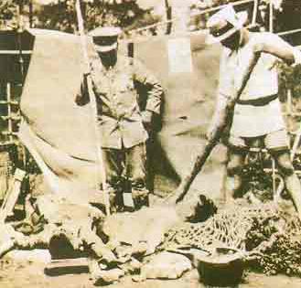 간토 대지진(1923) 당시 혼란의 와중에 일본 자경단이 조선인을 학살하는 모습