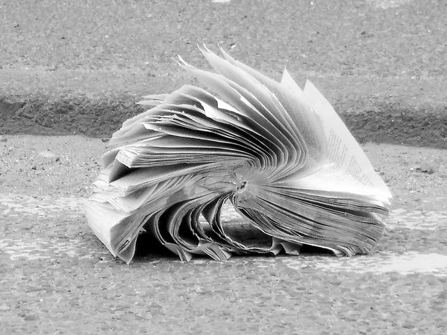 버려진 책 쓰레기