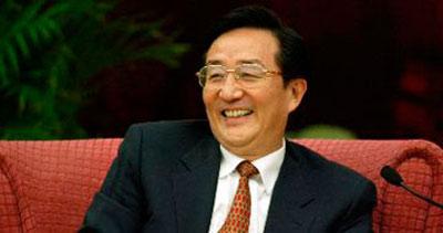 상하이방(上海幇)의 정치적 배경을 등에 업고 후진타오의 권력에 노골적으로 도전한 천량위. 그는 중앙당의 긴축정책에 극렬하게 반발하면서 존재감을 드러냈지만, 결국 '비리' 혐의로 숙청됐다.