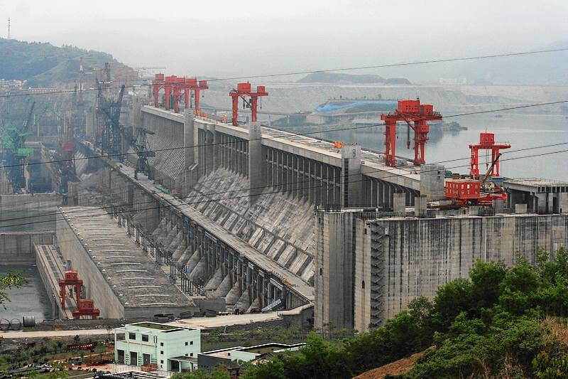 "쌴샤(삼협) 댐 (출처, Christoph Filnkößl, ""Three Gorges Dam"", CC BY SA 3.0)"
