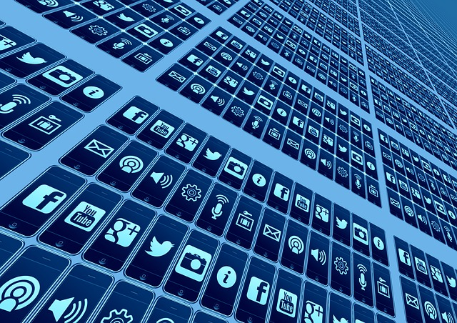 스마트폰 시대에서 과거와 같은 정보 통제는 더는 불가능하다.