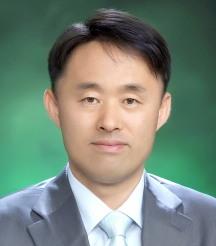 김앤장과 싸우다 김앤장의 품에 안긴 심재돈 검사. (출처: http://www.spo.go.kr/_custom/spo/_common/board/board_chief/skin/view/chief_view.jsp?article_no=68863&ptype=B&site_id=gongju )
