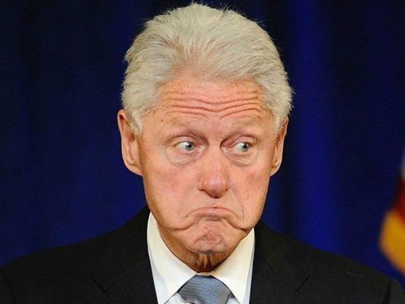 William Jefferson Clinton, 42nd President of the United States (1993-2001) https://post-phinf.pstatic.net/MjAxODA1MDJfMTkz/MDAxNTI1MjE4OTA1NTU3.ueclwEiyiYF2UypGrUnXcjX_dfUY5FbuURpdXmZL-o0g.mbWqH-PlmjneC-lORNeEKROq_zDwjT0dQ4_BEcXlwWYg.JPEG/Bill-Clinton-frown-1-AP-640x480.jpg?type=w1200