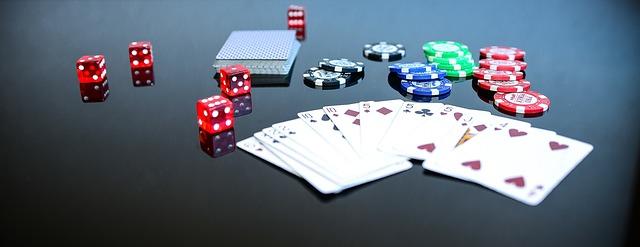 한반도의 운명을 '트럼프의 포커 게임'에 비유하는 동아일보