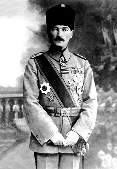제1차 세계 대전은 장차 터키공화국의 '국부'가 되는 무스타파 케말 아타튀르크를 역사로 호명하게 된다.