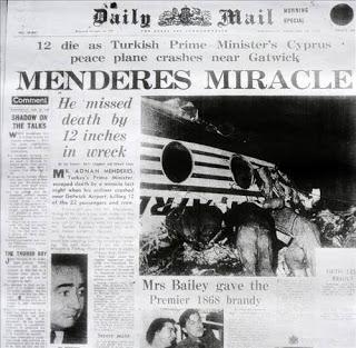 비행기 사고에서 기적적으로 살아남은 멘데레스.
