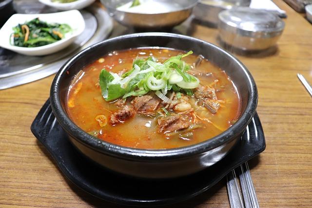 백종원이 말하는 '요리'와 '음식'은 서민적이다.