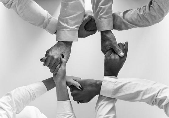 연대가 '나에게' 이익이 되는 사회적 체험, 제도적 체험을 해야 한다.