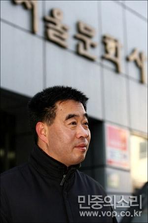 정희상 기자 (2007년 당시 45세 때 모습, ⓒ월간말 정택용, 사진 제공: 민중의소리) http://www.vop.co.kr/A00000061190.html