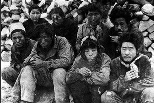 1948년 5월, 처형을 기다리는 제주 주민들 (위키미디어 공용)