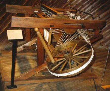 영국의 발명가 제임스 하그리브스(1720~1778)는 1768년 '제니 방적기'를 발명한다. 사진은 제니 방적기의 모델 중 하나. 독일 박물관에 전시되고 있는 모습. (출처: 위키미디어 공용, CC BY SA 3.0)