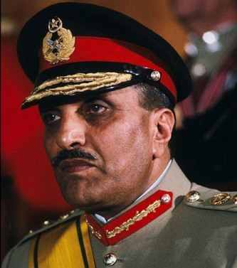 1977년 7월 쿠데타를 일으켜 1978년 집권한 무함마드 지아울하크(1924~1988) 파키스탄 대통령. 1988년 의문의 사고로 사망했다. (출처: Quora.com https://www.quora.com/How-did-Pakistan-President-Gen-Zia-ul-Haq-die)