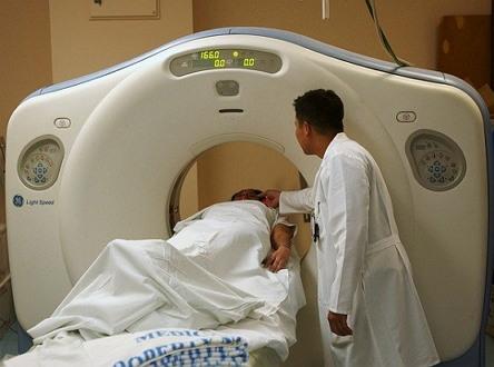 병원 의사 CT 검사