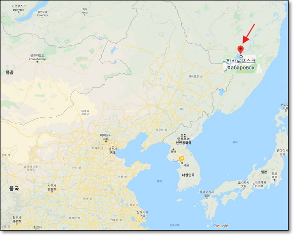 하바로프스크(Хабаровск)는 1649년 이곳을 탐험한 코사크족 대장의 이름(옐로페이 하바로프 바르로비치)에서 유래했다. 현재 이 지역 인구는 150만 명 정도이고, 중심부인 하바로프스크 인구는 69만 명 정도다. (참고: 박노보, 코사크의 시베리아 탐험과 하바로프스크) https://m.blog.naver.com/PostView.nhn?blogId=nobopark&logNo=40049778803&proxyReferer=https%3A%2F%2Fwww.google.com%2F